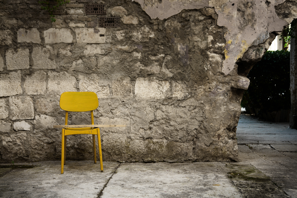 yellow-chair-sml.jpg