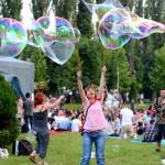 ShortsUP - Marele  picnic - baloane de sapun