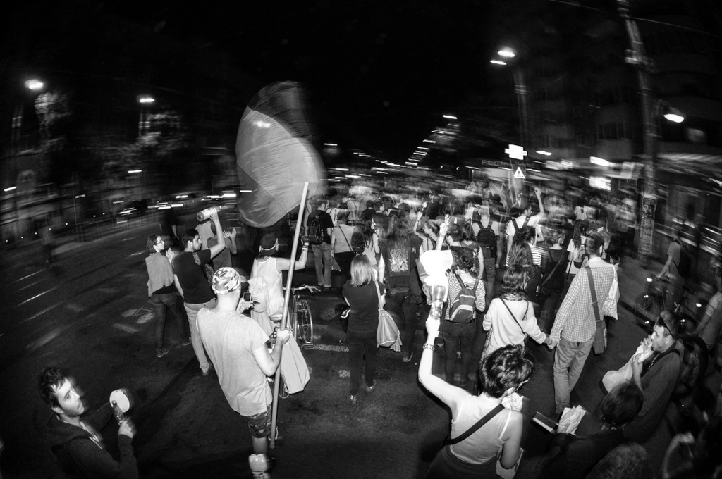 Mars de protest fata de legea care autorizeaza exploatarea de la Rosia Montana